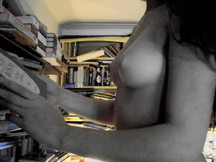Amilcar Moretti. Abril 2011-setiembre 2013. Ella en los libros: Morena. Argentina.