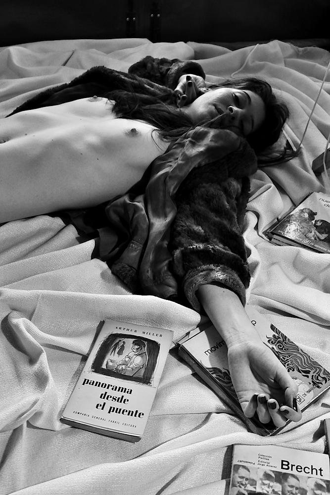 Miji, de Tel Aviv, descansa mientras le tomo fotos. Amilcar Moretti. Setiembre 2013. Argentina.