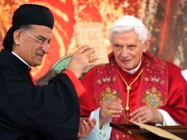 El Patriarca de Antioquía, Siria, Inglesia Católica Oriental con 3.200.000 fieles, en una reunión que mantuvo con ex papa de Roma.