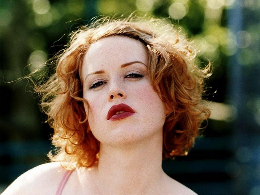 Molly Ringwald, versión sexy de la joven ochentista.
