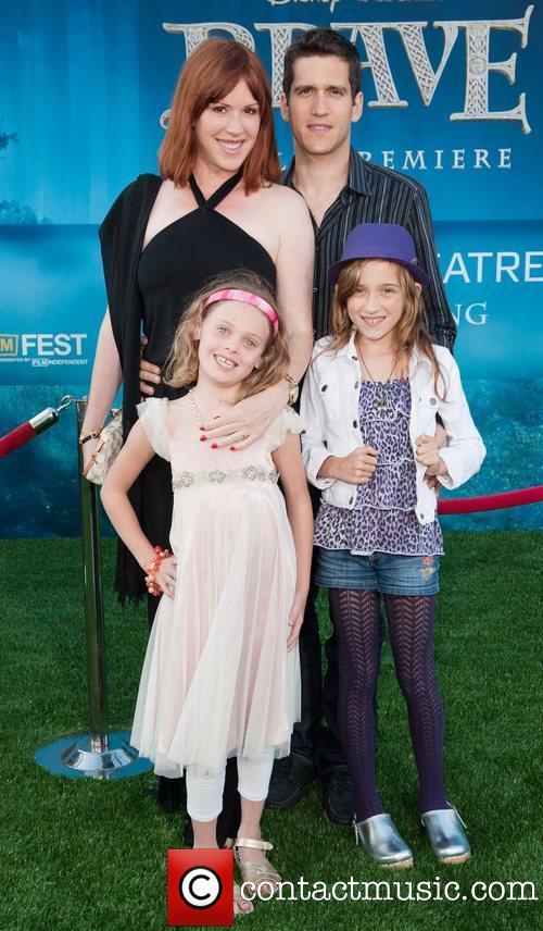 Molly, esposo e hijas.