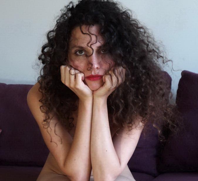 MILENA por Amílcar Moretti. Suite Viamonte y Callao, Buenos Aires. Modelo y especialista en literatura universidad de la región de Alsacia, especializada en literatura tango.