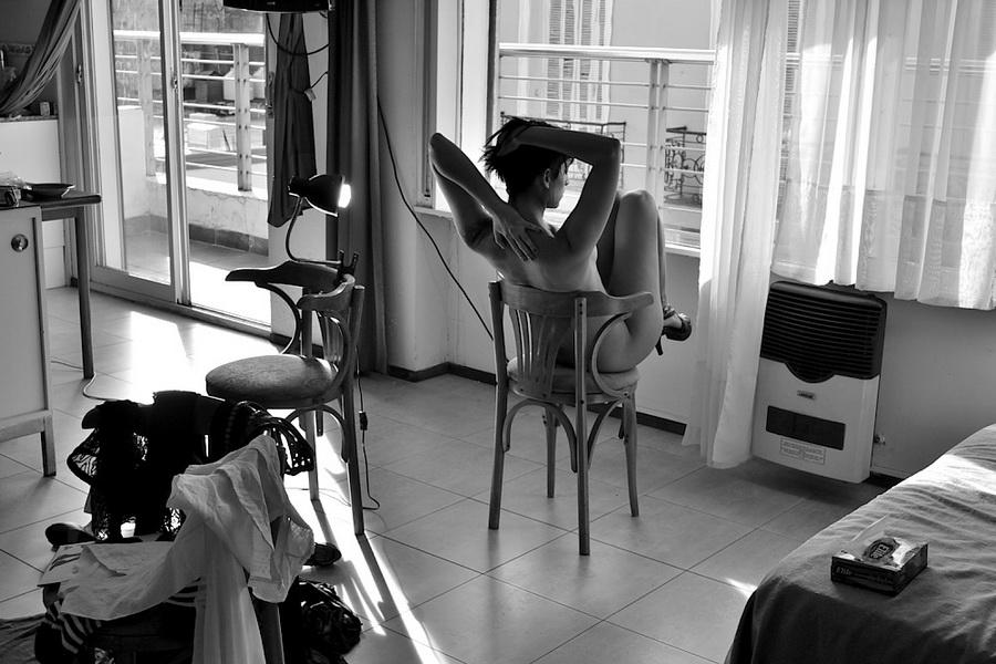 Amilcar Moretti. Lunes 30 de diciembre 2013, ed. Mes de setiembre en Buenos Aires, en Loft & Art Arte Apart Hotel Boutique, a una cuadra de avenidas de Mayo y Nueve de Julio.