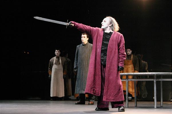 """El fallecido Alejandro Urdapilleta en la versión montada para él de """"El rey Lear"""", de Shakespare, en el Teatro General San Martín."""