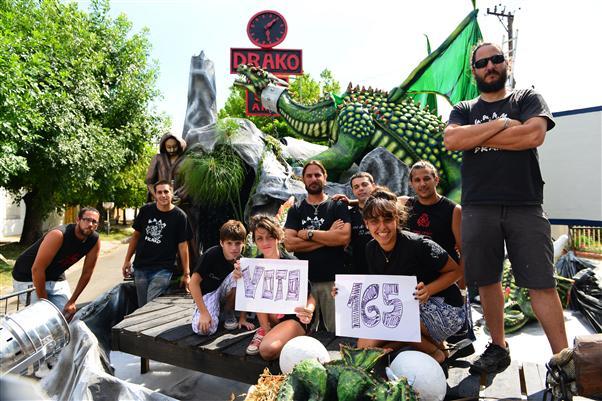 Tierra de dragones. Calle 77 entre 13 y 14. Primer Premio Radio 99,1
