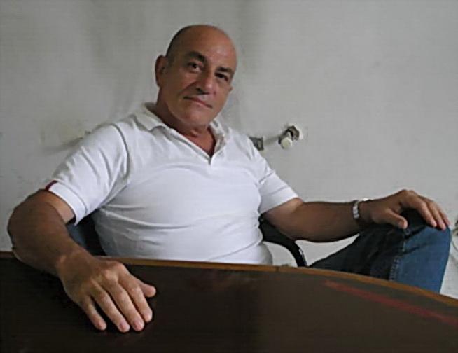 Bagriel Bañez, novelista, escritor, periodista, ex funcionario municipal en área Cultura. La Plata. Argentina. Nacido en 1951, se suicidó en julio del 2009.
