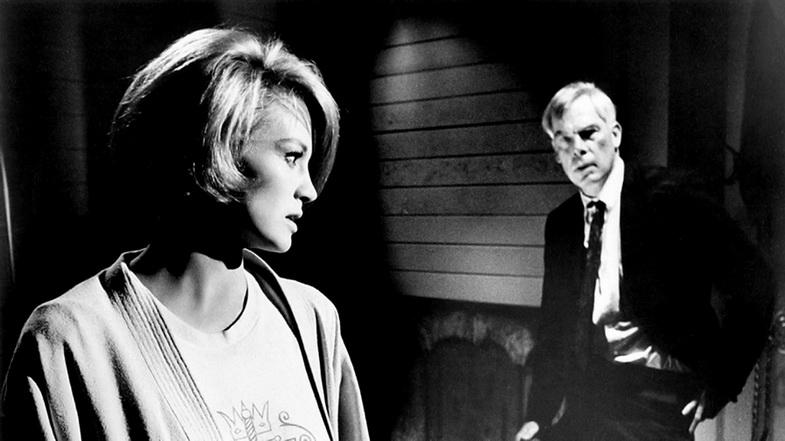 """""""A QUEMARROPA"""" (1967), el clásico de John Boorman, renovador del cine hollywoodense juna """"BULLIT"""". LEE MARVIN, insuperable, y la inolvidable Angie Dickinson, la de las piernas bellas y el rostro con máscara de disgusto."""
