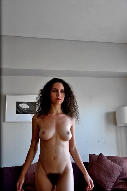 Amilcar Moretti. Aurélie y su tango desnuda. 2014 en Buenos Aires, en la suite de Callao y Viamonte.