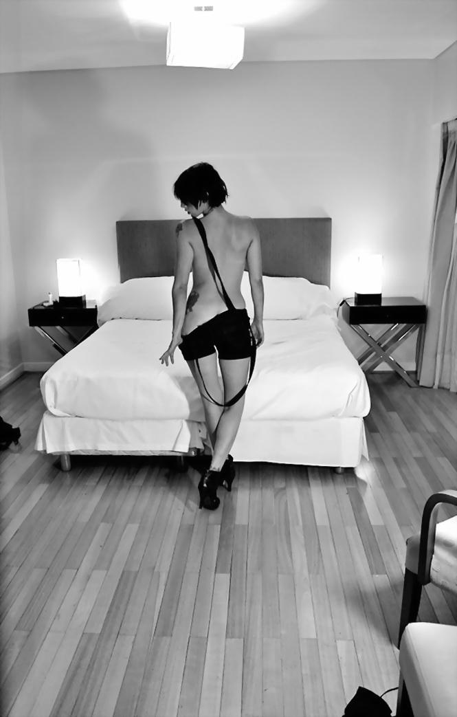 Amilcar Moretti. Lunes 3 de marzo 2014. En Buenos Aires, loft en Av. Callao y Viamonte con Natalia Falcón (modelo)