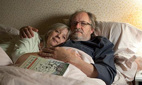 """Un año más, películña de Mike Leigh, el cineasta inglés de """"Secretos y mentiras"""". (de alfonsomendiz blog)"""