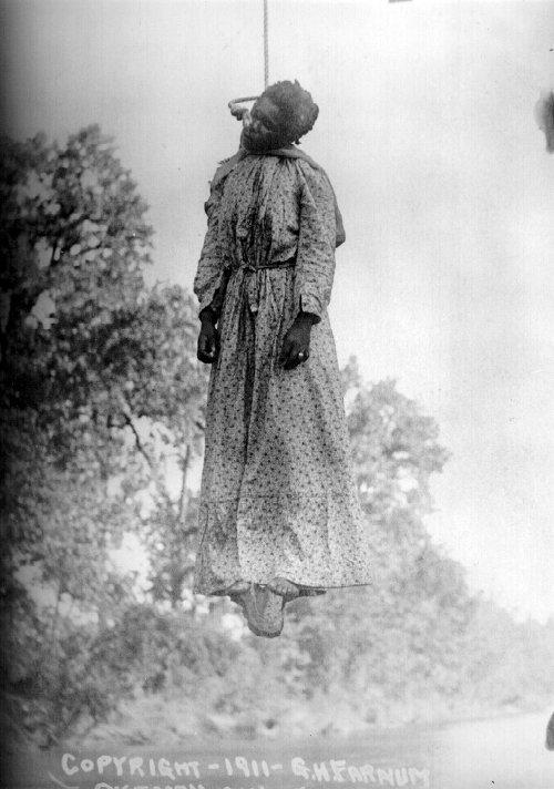 Célebre linchamiento y horca de LAURA NELSON, en estados Unidos.