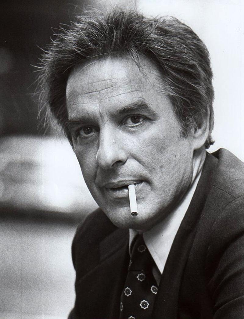John Cassavetes, el genio, la innovación, la pinta y el eterno cigarrillo.