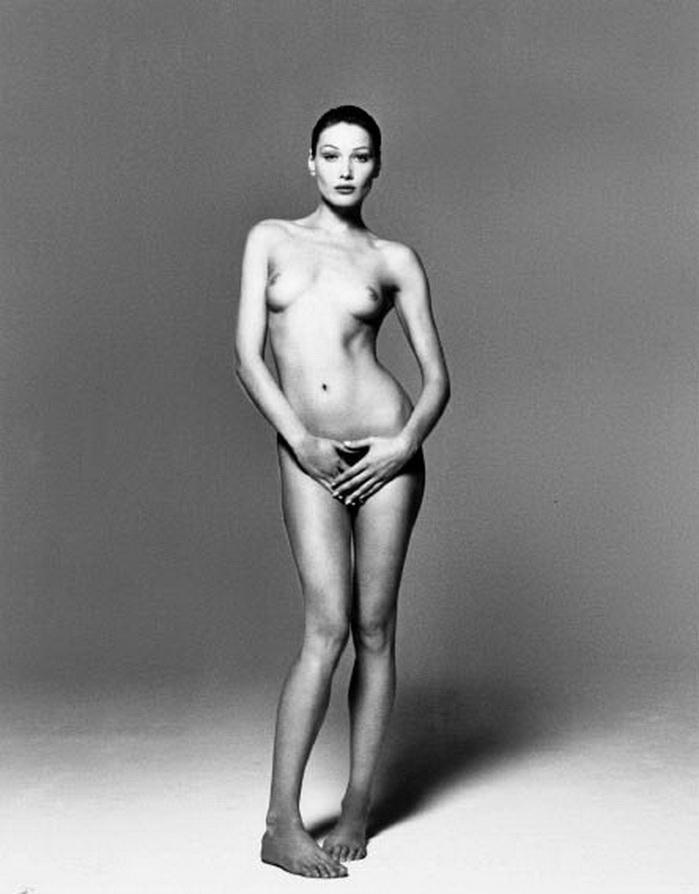 Carla Bruni por Mchael Comte: 91 mil dólares se obtuvieron por esta floto en la casa Christie´s, donde  comprar a diario los cultos denunciantes de mi modelo de fotografía.