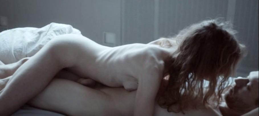 """""""HEMEL"""", película holandesa sobre una joven actual de clase media acomodada y su desorientación."""