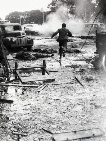 La Marina de Guerra bombardeó Plaza de Mayo en pleno día, la plaza llena, para derrocar a Perón en 1955.