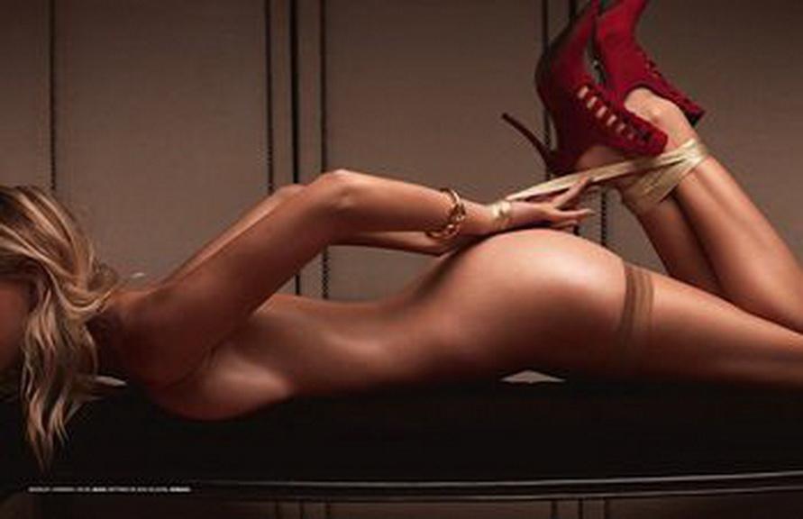 Kristine Zandmane para la marca Prada, por Stephen Lewis.