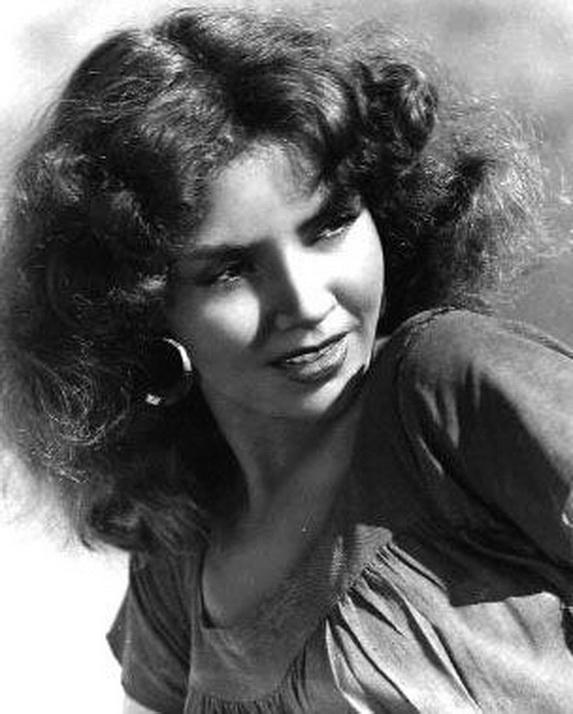 """Jennifer Jones, actriz hollywoodense 2019-2009- Tuvo a su cargo el rol de Ruby en el filme homínomo. Esuvo casada con david Selznik desde 1949 a 1965, legendario productor de """"Lo que el viento se llevó""""."""