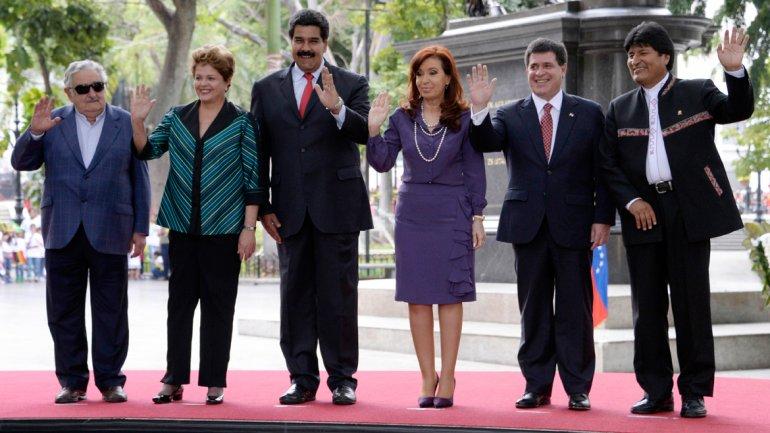 Cristina y presidentes naciones populares