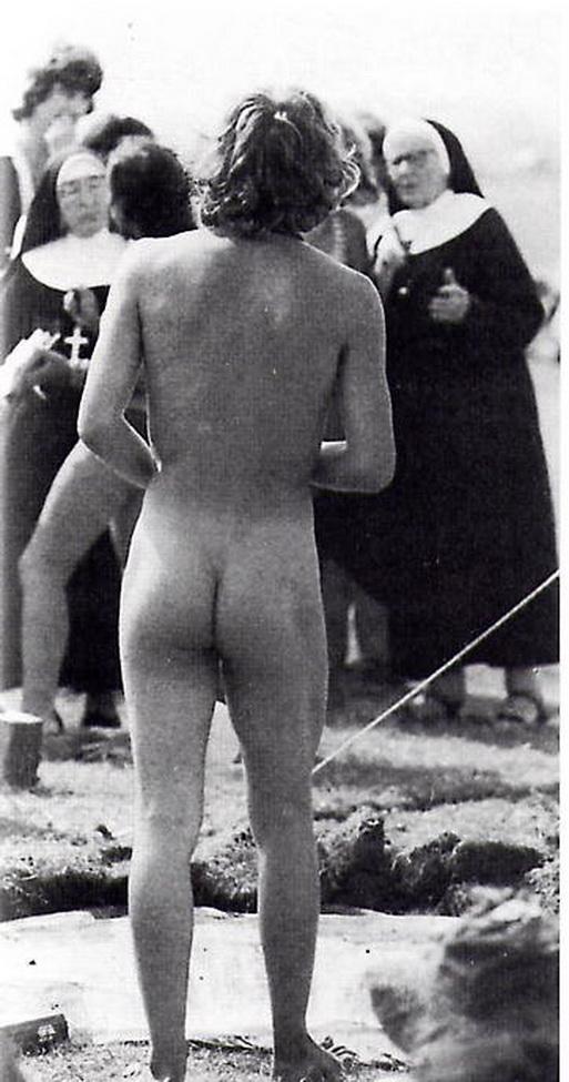 Desnudo hippie en Woodtock en 1969.