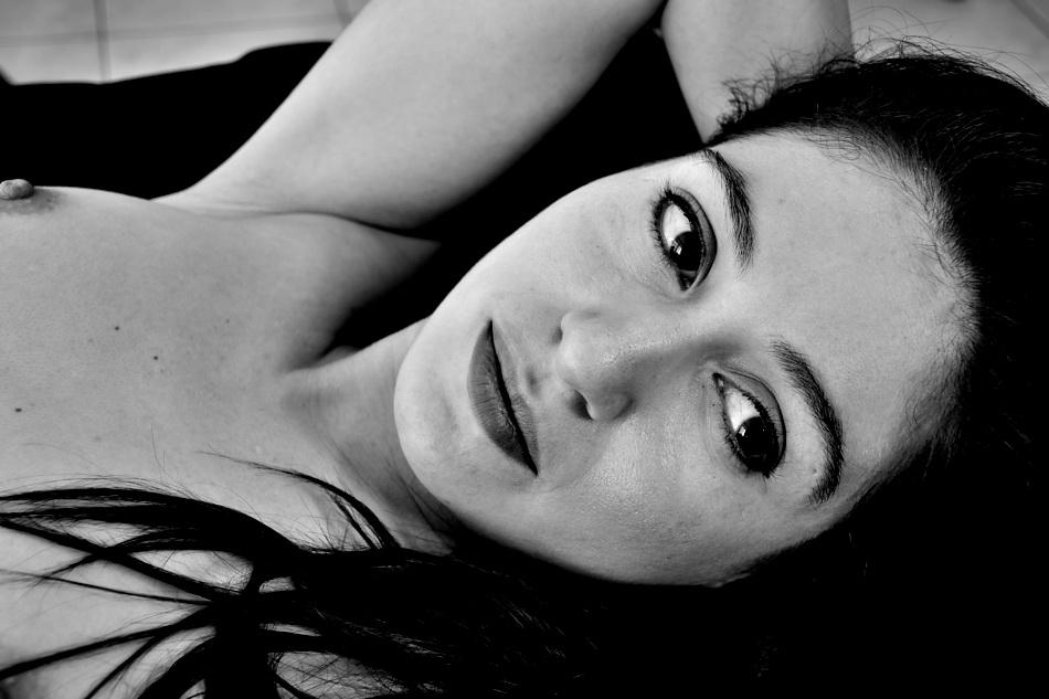 AMILCAR MORETTI. modelo: Nacha Olave. 21 setiembre 2015. Argentina.