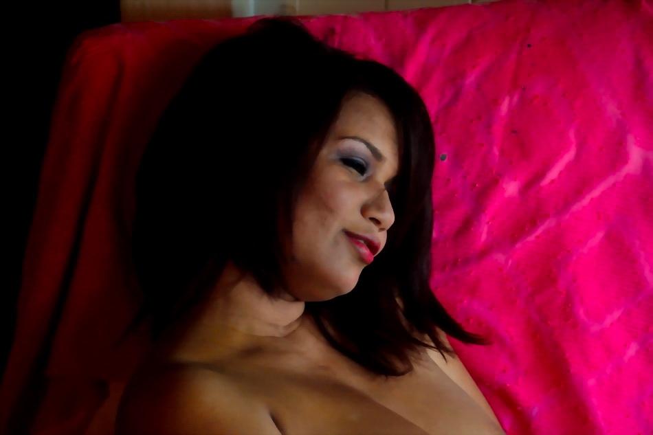AMILCAR MORETI registra a Dorca Mármol. Actriz, modelo, comediante teatral, ahora es heroína y víctima en psycho-thriller de jóvenes cineastas. 17 octubre 2015. Argentina.