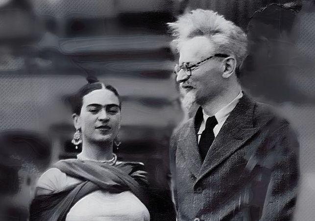 Frida con trotky, que vivió en casa de la primera en su exilio, y con el cual tuvo un fagoso amor que Diego Rivera conocía. Rivera intervenía entre los amantes. La esposa de trotzki callaba.  Era una residencia donde la libertad era comunista, mejor, anarco-comunista tipo años 20 del siglo XIX.
