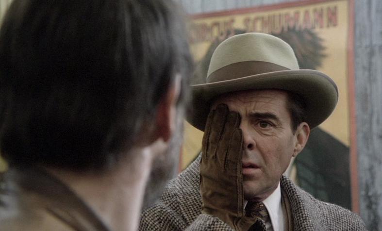 """Dick Bogart y Fassbinder, en """"Desesperación""""."""