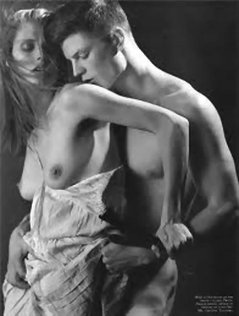 BRUCE WEBER también es otro destacado del mundo de la fotografía de moda, aquí en una lucha con Malgosia Bela. El erotismo de la moda hoy.