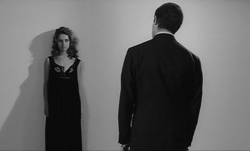 """La Notte"", la recordada escena de la histérica obsesivo-compùlsiva del sexo en la clínica."