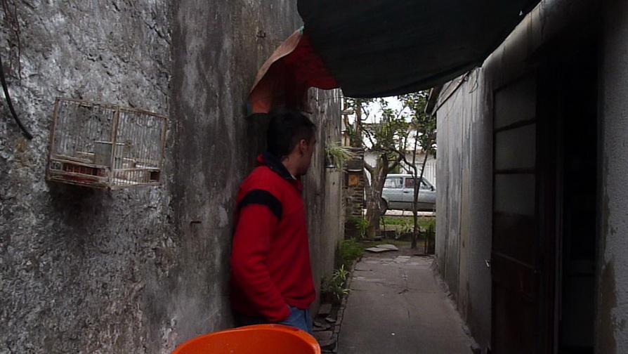 LOS ACTOS COTIDIANOS (2009-10), DE RAÚL PERRONE