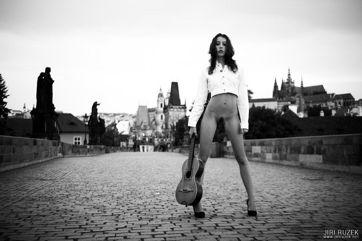 jiri-ruzek-charles-bridge-04