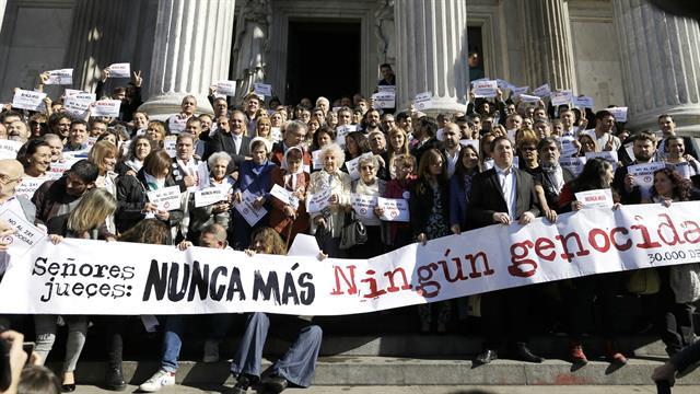 Organizaciones derechos humanos en el Congreso Nacional. Foto de Natasha Pisarenko de la Agencia AP